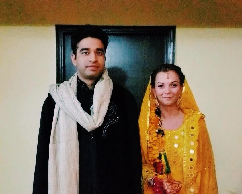 mendhi-henna-couple-bun-diaries