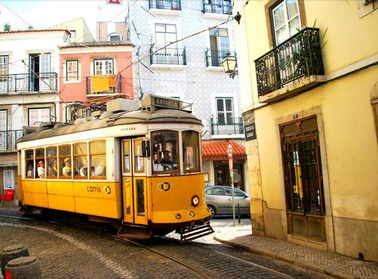 tram-28-alfama